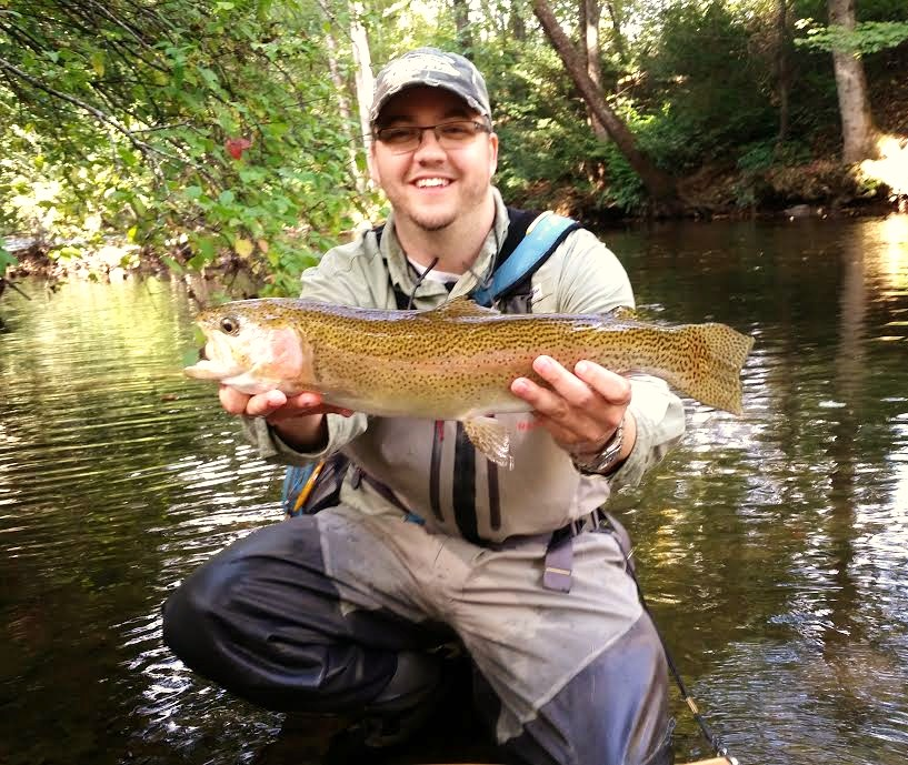 Fabulous fishing river blade knife and fly for Fly fishing split shot